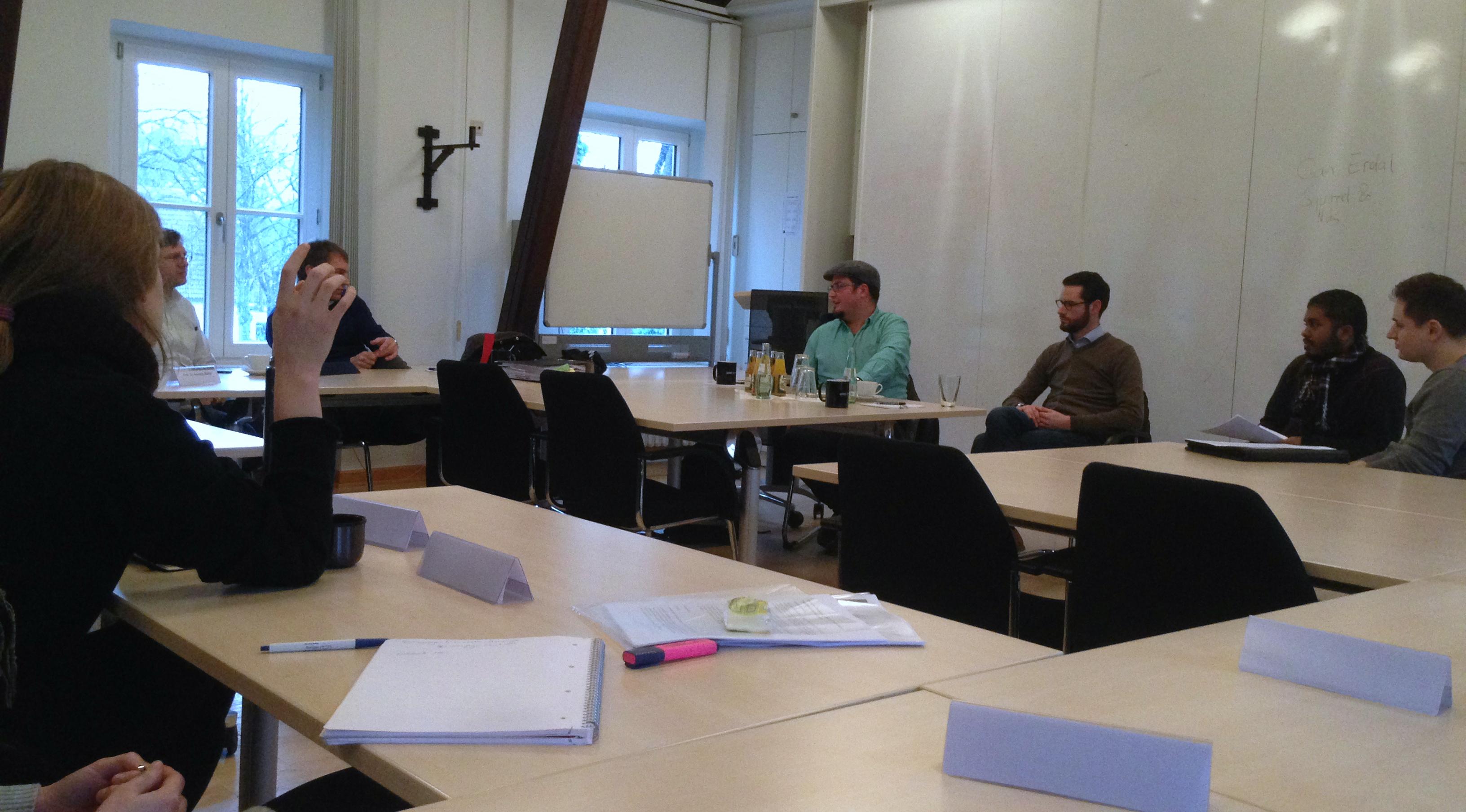 Diskussionsrunde mit Agenturvertretern in der 'Taskforce Praktisches Politikmanagement'